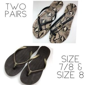 Two pairs of sandals havaianas brand and mossimo